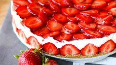 Tarun ihana mansikkajuustokakku on nopea ja helppo Deli, Cheesecake, Strawberry, Baking, Fruit, Desserts, Food, Cakes, Tailgate Desserts