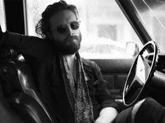 """Canal Electro Rock News: Father John Misty apresenta clipe para a canção """"Total Entertainment Forever"""", com a participação de Macaulay Culkin"""