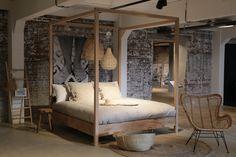 Morning! Wil jij ook lekker wakker worden in zo'n romantisch hemelbed? Je vindt een Slaap-afdeling bij al onze winkels 😴 Check de link in bio voor onze bedden en matrassen! #loods5 #loods5inhuis #home #interior #interieur #wonen #styling #wooninspiratie Homemade Beds, Wood Canopy Bed, Bali House, Luxurious Bedrooms, Home Furniture, Master Bedroom, Sweet Home, New Homes, Interior Design