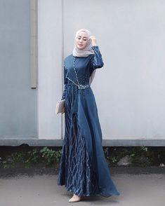 Image may contain: 1 person, standing Dress Brokat Muslim, Dress Brokat Modern, Kebaya Modern Dress, Kebaya Dress, Dress Pesta, Muslim Dress, Dress Brukat, Hijab Dress Party, Batik Dress