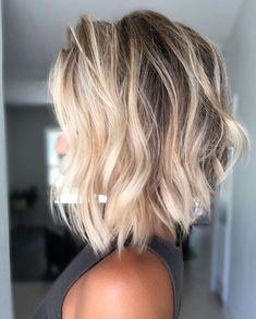 Medium Hair Cuts, Medium Hair Styles, Curly Hair Styles, Brown Blonde Hair, Blonde Lob Hair, Shoulder Length Hair Blonde, Medium Length Blonde, Blonde Dye, Medium Blonde Hair