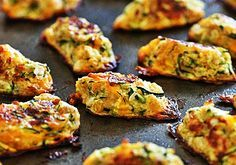 Zucchini Tots are a great way to get your family to eat their veggies! These kid-friendly zucchini tots, made with shredded zucchini and cheese make a great side dish or snack. Czech Recipes, Ww Recipes, Low Carb Recipes, Cooking Recipes, Healthy Recipes, A Food, Good Food, Food And Drink, Yummy Food