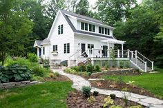 Small whitewashed farmhouse feel <3