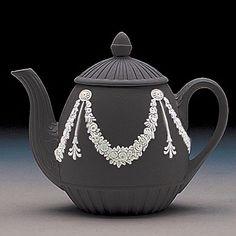 Black and White Teapot | Wedgwood Jasperware Garland Teapot, White on Black - Crystal Classics