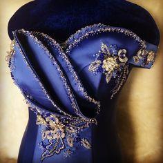 Women's Fashion Dresses, Girl Fashion, Womens Fashion, Lace Blouse Styles, African Blouses, Conceptual Fashion, Pakistani Bridal Wear, Fashion Details, Fashion Design