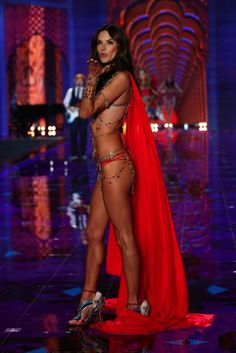 Alessandra Ambrosio's Kiss - VS Fashion Show 2014 #vsfashionshow #model #angel #kiss #london #alessandraambrosio #sexybelly #outfit #red #celebrity #victoriassecret #hot #pretty #tanned #tonned #body #sexy #fit #amazing #fantasybra #brazilians #gorgeous #lingerie #luxury #outfit #godess #vsangel #perfect #AlessandraAmbrosio