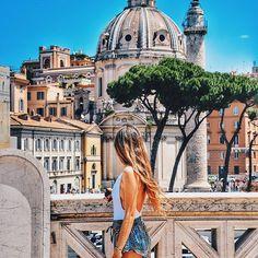 Roma ❤️ .  Swim by @showpo  .  .  .  .  #travel #nikon #photography #italy #rome #roma #italia #view #igers #instagood #instalike #colors #hair #chilena #sky #blue #travelgram #contiki #contikimaite #noregrets #medhighlights #girl #showpo @showpo @thelazyceo #summer #vacation #beauty #europe #eurotrip #vacaychicks #yoviajobien