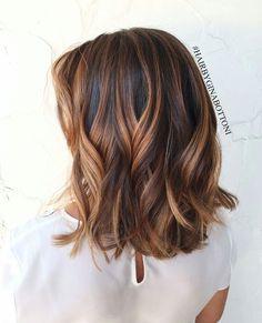 Trendy Medium Hair Cut (50)