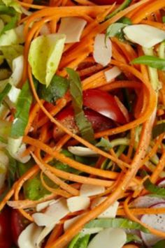 Fresh basil salad recipe. A healthy and fresh salad packed with flavor!
