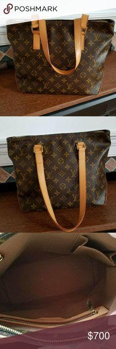 Louis Vuitton bag 100% Authentic Like new great condition! Louis Vuitton Bags Shoulder Bags