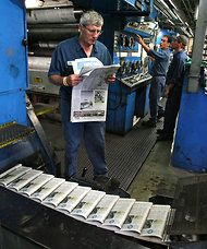 As Newspapers Cut Print Frequency, Analysts Ask if Readers Will Remain