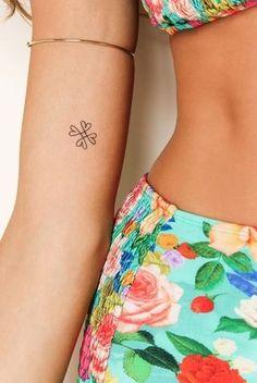 Não gosto de grandes tatoos, mas estas confesso que sou apaixonada! Só falta coragem para conseguir fazer uma… e não me arrepender claro!