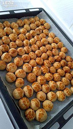 Kıyır Kıyır Tek Atımlık Kurabiye – Kurabiye – Las recetas más prácticas y fáciles Cookie Desserts, Cookie Recipes, East Dessert Recipes, Fast Dinners, Pork Chop Recipes, Turkish Recipes, Cookies Et Biscuits, Cupcake Cakes, Cupcakes