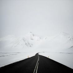 andy lee iceland 12 Breathtaking Black And White Photos Of Icelandic Landscapes