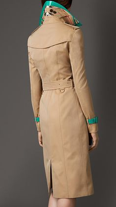 Burberry London Honey/emerald Patent Leather Detail Gabardine Trench Coat - A double-breasted cotton gabardine trench coat with a detachable patent leather topcollar and cuff belts. Discover the women's outerwear collection at Burberry.com