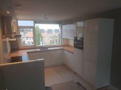 Simple House, New Kitchen, Kitchen Design, Decoration, Sweet Home, Kitchen Cabinets, Interior Design, Kitchens, Furniture