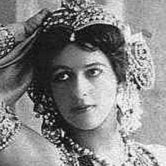 Mata Hari - Bio, Facts, Family | Famous Birthdays