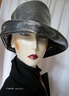 rain hat  XL silver sequins black leatherette par MatheHBcouture
