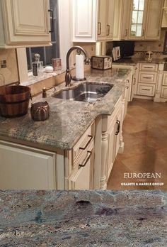 Create a warm and inviting kitchen with Crema Bordeaux polished granite countertops. It's sure to make a unique statement with its color scheme consisting of burgundy, brown, grey and cream. Brown Granite Countertops, Granite Kitchen, Kitchen Countertops, New Kitchen, Kitchen Ideas, Light Granite, Family Kitchen, Kitchen Colors, Country Kitchen
