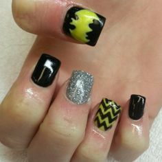 15 great batman nail art designs for kids batman nails manicure batman acrylic nails black and yellow shellac chevron and glitter instagram prinsesfo Image collections