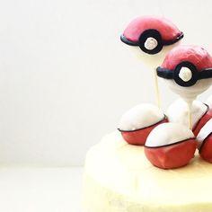 Geburtstagstorte fertig. #camesapilabackt  #geburtstagstorte #pokemon #pokemongo #pokeball #cakepops #pokeballcakepops #pokemoncakepop #pokemoncake #birthdaycake #happybirthday #pokemonbirthday #pokemonparty