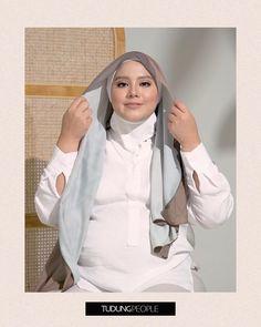 Hijab Turban Style, Mode Turban, Simple Hijab Tutorial, Hijab Style Tutorial, Modesty Fashion, Muslim Fashion, Mode Niqab, Pashmina Hijab Tutorial, How To Wear Hijab