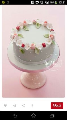 Sweet spring cake with rosebuds, apple blossoms and sugar strawberries. The rosebud technique was learned from Cotton & Crumbs! This cake to be taught in my upcoming class, The Complete Fondant Cake. Bolo Floral, Floral Cake, Cute Cakes, Pretty Cakes, Gorgeous Cakes, Amazing Cakes, Fondant Cakes, Cupcake Cakes, Fondant Cake Decorations