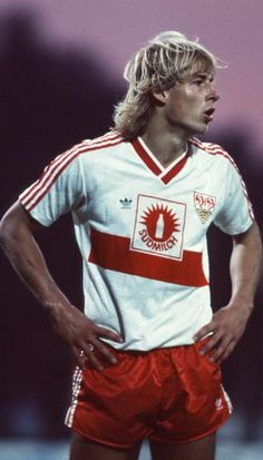 "Jürgen Klinsmann 1986 ""Der Bomber"" scored 5 goals in 30 minutes for his team"