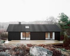 Building / Coll-Barreu Arquitectos love the color mix black house exterior Architecture. Design Exterior, Black Exterior, Interior And Exterior, Houses Architecture, Residential Architecture, Architecture Design, Black Architecture, Installation Architecture, Plywood House