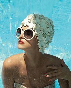 Classic swimming look. Love the glamour x