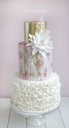 aged wood wedding cake