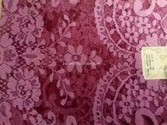 Model: Medallion/ Medallón  Material: Leavers Color: Mauve w/Red mesh / Malva Fondo Rojo Size: 115 x 60 cm  Made in: Spain/España  TOP quality Volart Leavers veil. It will frame your face, head and shoulders beautifully with its soft and light texture.  Velo de alta calidad Marca Volart Leavers de encaje Espanol. Este velo se conforma a su cuerpo y es muy suave y con efecto de poco peso.