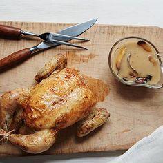 How to Make Ina Garten's Engagement Roast Chicken - Kuchen - Even new cooks can master Ina Garten's special-occasion Engagement Roast Chicken! Careful, it's quite persuasive. Food Network Recipes, Cooking Recipes, Healthy Recipes, Cooking Videos, Grilling Recipes, Roast Chicken Recipes, Roast Chicken With Stuffing, How To Roast Chicken, Roasting Chicken In Oven
