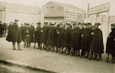 La Guardia Civil monta servicio en el antiguo campo del Fútbol Club Barcelona (1925)