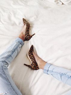 Leopard heels look beautiful paired with rolled-up denim.