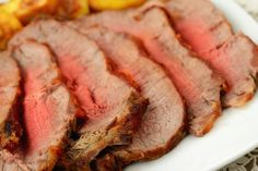 Pinner said: BEST BRISKET RECIPE This is one of the Best Brisket Recipes I have ever tasted. Succulent, delicious and wonderfully seasoned. A sure winner for any special occasion or holiday meal! Pot Roast Recipes, Barbecue Recipes, Meat Recipes, Cooking Recipes, What's Cooking, Best Brisket Recipe, Recipes Using Hamburger, Brisket Seasoning