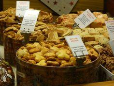 Bredele (gâteaux) dans un marché de Noel à Strasbourg #Christmas #cake