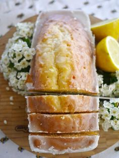 This link brings you to The Londoner web page. You'll have to put in their search bar, 'Lemon Drizzle Cake' to get to the recipe. :) Lemon Drizzle Cake (Sorry Starbucks) - The Londoner Yummy Recipes, Sweet Recipes, Delicious Desserts, Cooking Recipes, Yummy Food, Bread Recipes, Recipies, Cooking Tips, Tray Bake Recipes