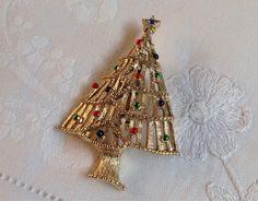 Vintage Christmas Tree Brooch by Tedsandtreasures on Etsy