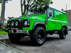 Land Rover Defender 110 Td5 hard top in  phosphorus green... Lol)