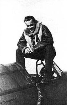 P/O Václav Bergman continued to fly with No 310 Squadron RAF from RAF Duxford in 1940. On 9 September, he claimed an Me 110 destroyed near Worcester in Hurricane Mk I NN-G, on 18 September a Ju 88 over Basildon in NN-B and on 28 October another Ju 88 probably shared destroyed near Duxford again in NN-B. Hawker Hurricane, War Image, Battle Of Britain, Military Men, 25 Years Old, Worcester, Aviators, Lancaster, World War Ii