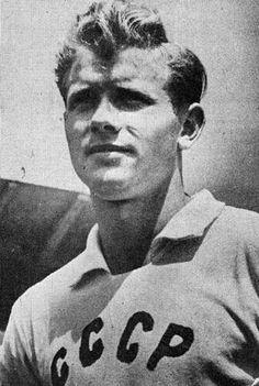 Eduard Streltsov of the USSR in 1957.