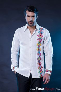 Camisa para mí Mexican Fashion, Mexican Outfit, Mexican Dresses, African Men Fashion, Mens Fashion, Mexican Shirts, Mexican Men, Mexican Style, Guayabera Shirt