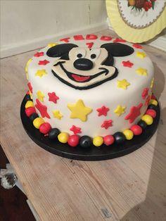 Boys birthday cake Mickey mouse