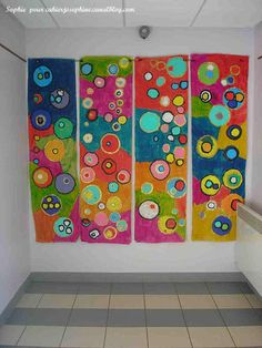 Kandinsky Type Art makes a great mural Club D'art, Art Club, Group Art Projects, Collaborative Art Projects, Pintura Graffiti, Classe D'art, Arte Fashion, School Murals, Ecole Art