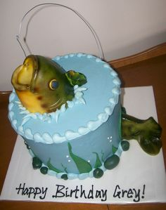 Bass was made from rice crispy treats, covered in fondant. Tail was all fondant. Thanks for looking!