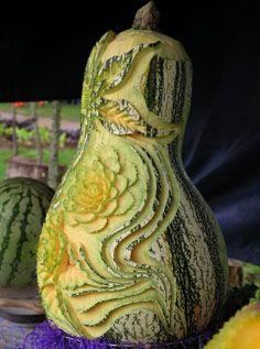 des sculptures sur fruits et l gumes impressionnantes sculpture de fruit pinterest. Black Bedroom Furniture Sets. Home Design Ideas