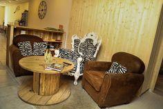 Salle détente - 100m2 de bureaux en palette et bois de récupération