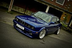 BMW 325i.  The beamers i like.  In case youre still wondering about my birthday ; )