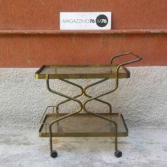 Carrello in ottone con due piani on cristallo. 1960 Ottime condizioni  #magazzino76 #viapadova #Milano #antiquariato #arredamento #modernariato #vintage #design  #M76 #carrelloottone #welcomehome #mobili #modernfurniture #carrello #ottone #acquistomodernariato #arredovintage #arredodesign  #solocoseoriginali #anni60